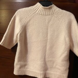 Adorable Theory sweater. Wool blend. Size M.